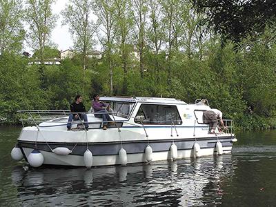 location bateau Riviera 1130
