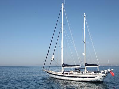 location bateau Scorpio 72