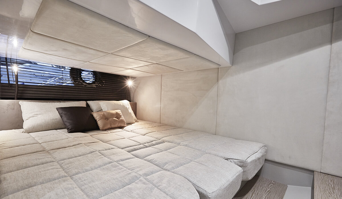 intérieur Sessa C 38
