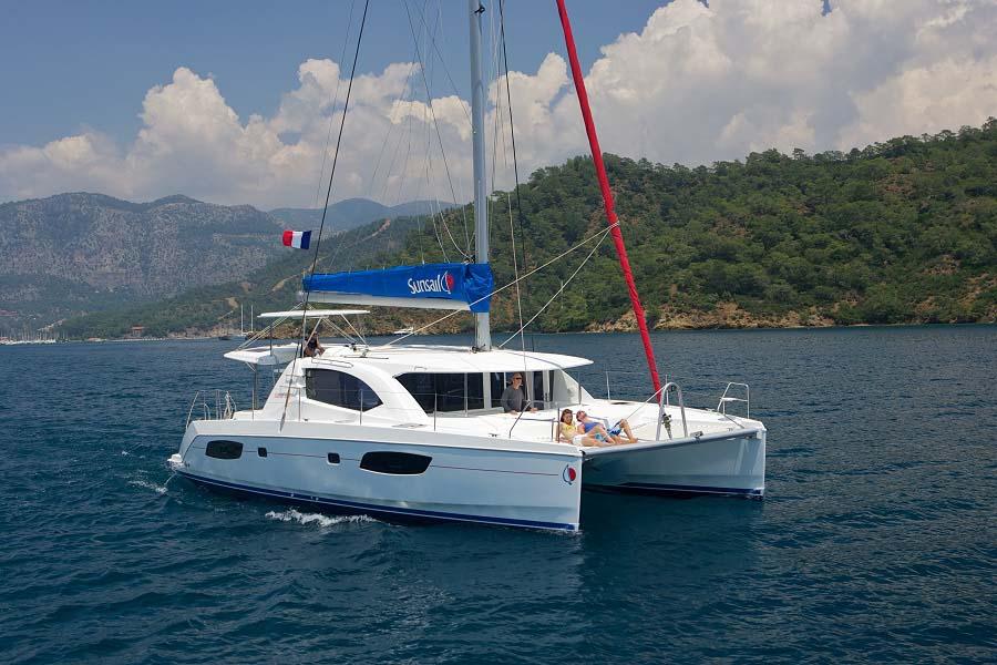location bateau Sunsail Leopard 44