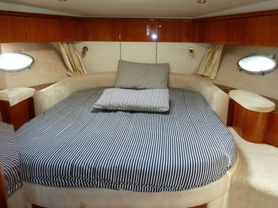 inside Sunseeker Predator 58