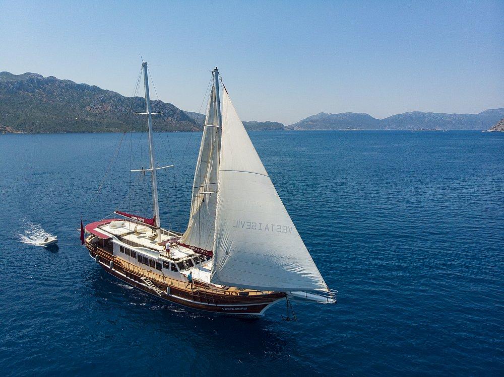 location bateau Vesta 1 Sevil