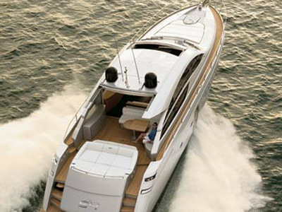 location bateau Pershing 64