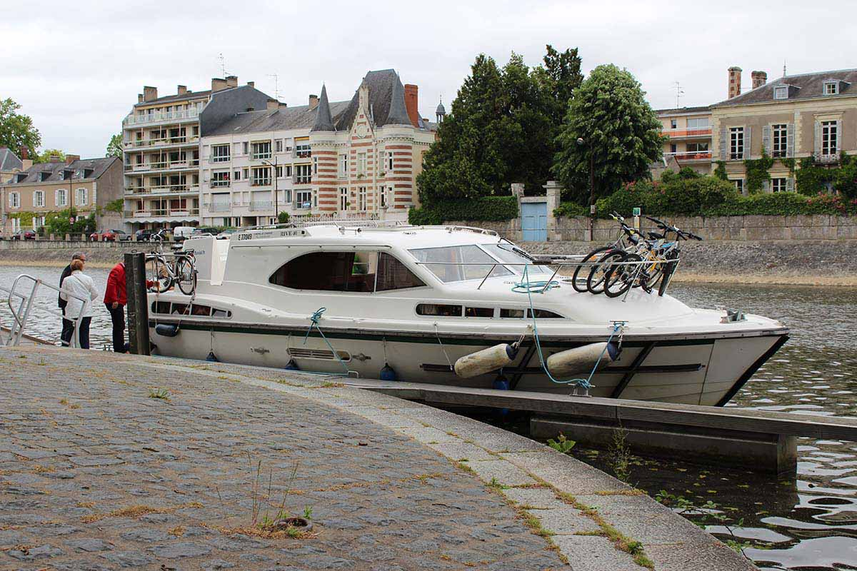 location bateau Haines Rive 40