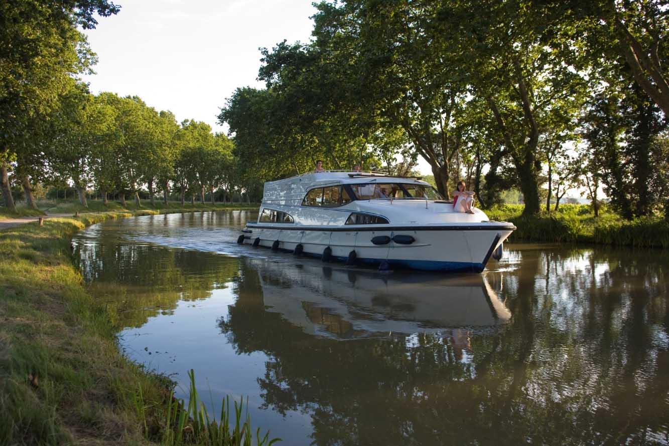 location bateau Royal Mystique B