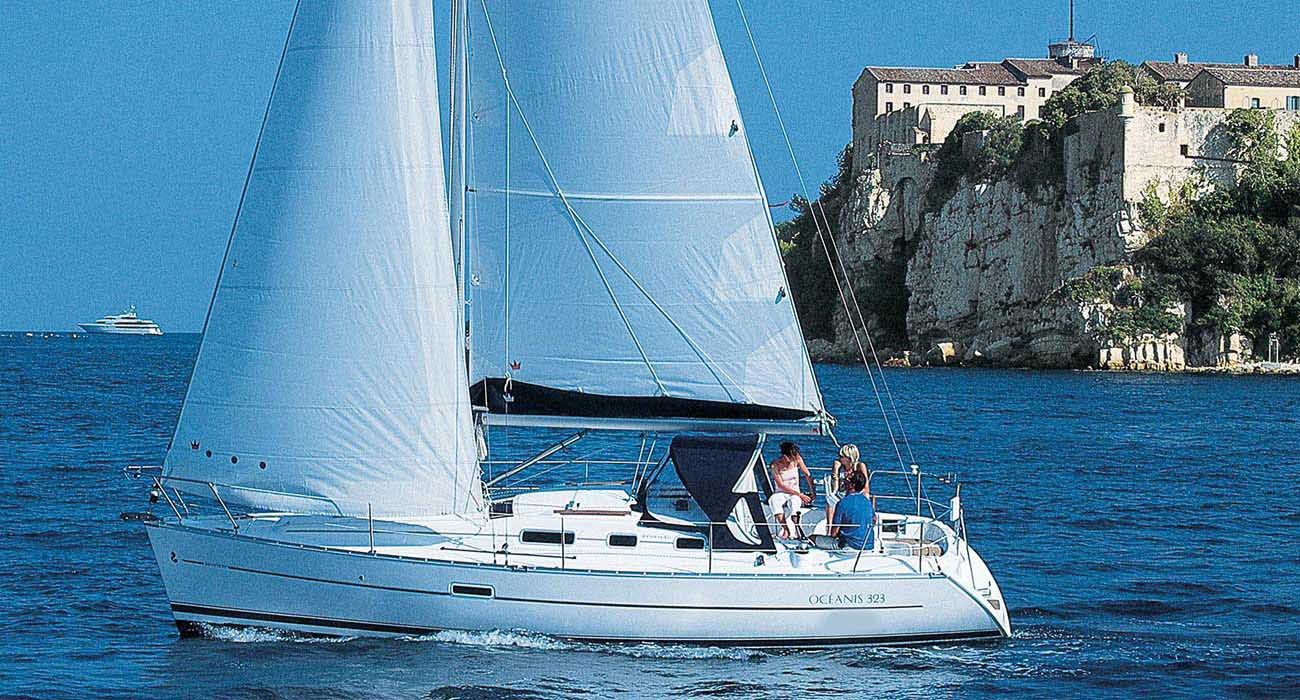 location bateau Oceanis Clipper 323