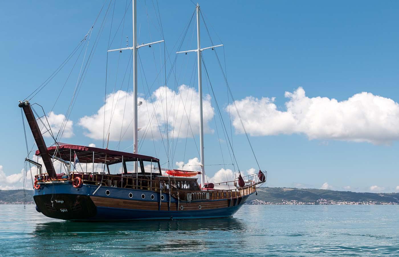location bateau Tango