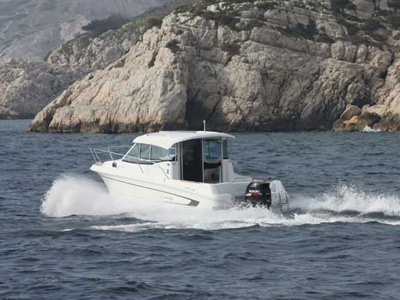 location bateau Antares 750