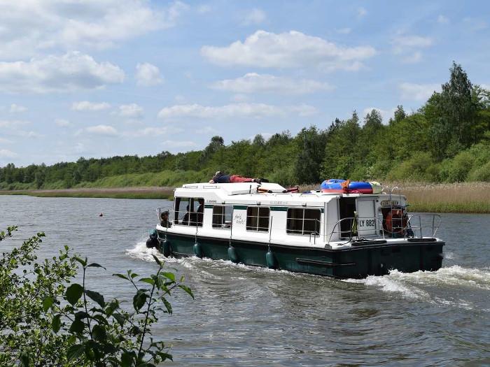 location bateau Eau Claire 1130R Quatro