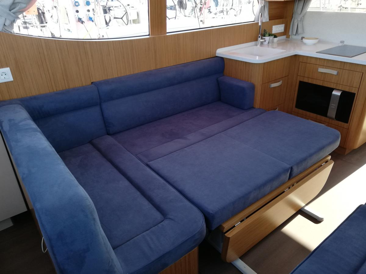 inside Greenline 33 Hybrid