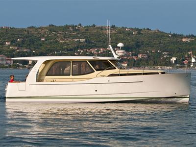 location bateau Greenline 33 Hybrid