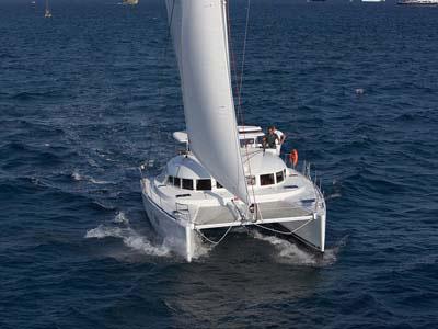 location bateau Lagoon 380 Premium