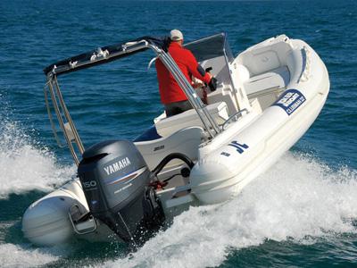inside Jokerboat Clubman 22