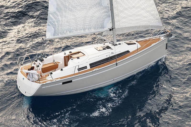 äußere Bavaria Cruiser 33
