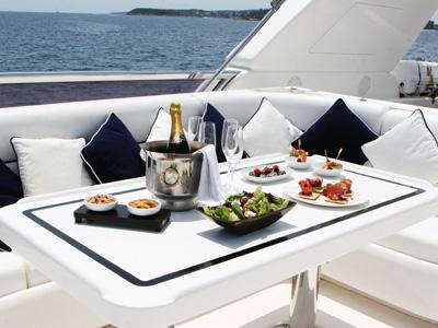 Location bateau  Elegance 82
