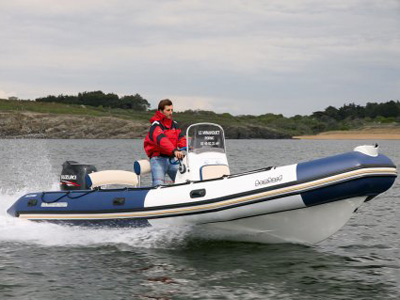 location bateau Bombard Sunrider 650