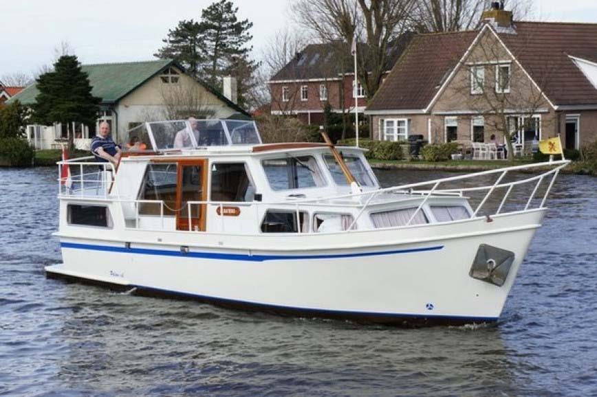 location bateau Palan DL 1100