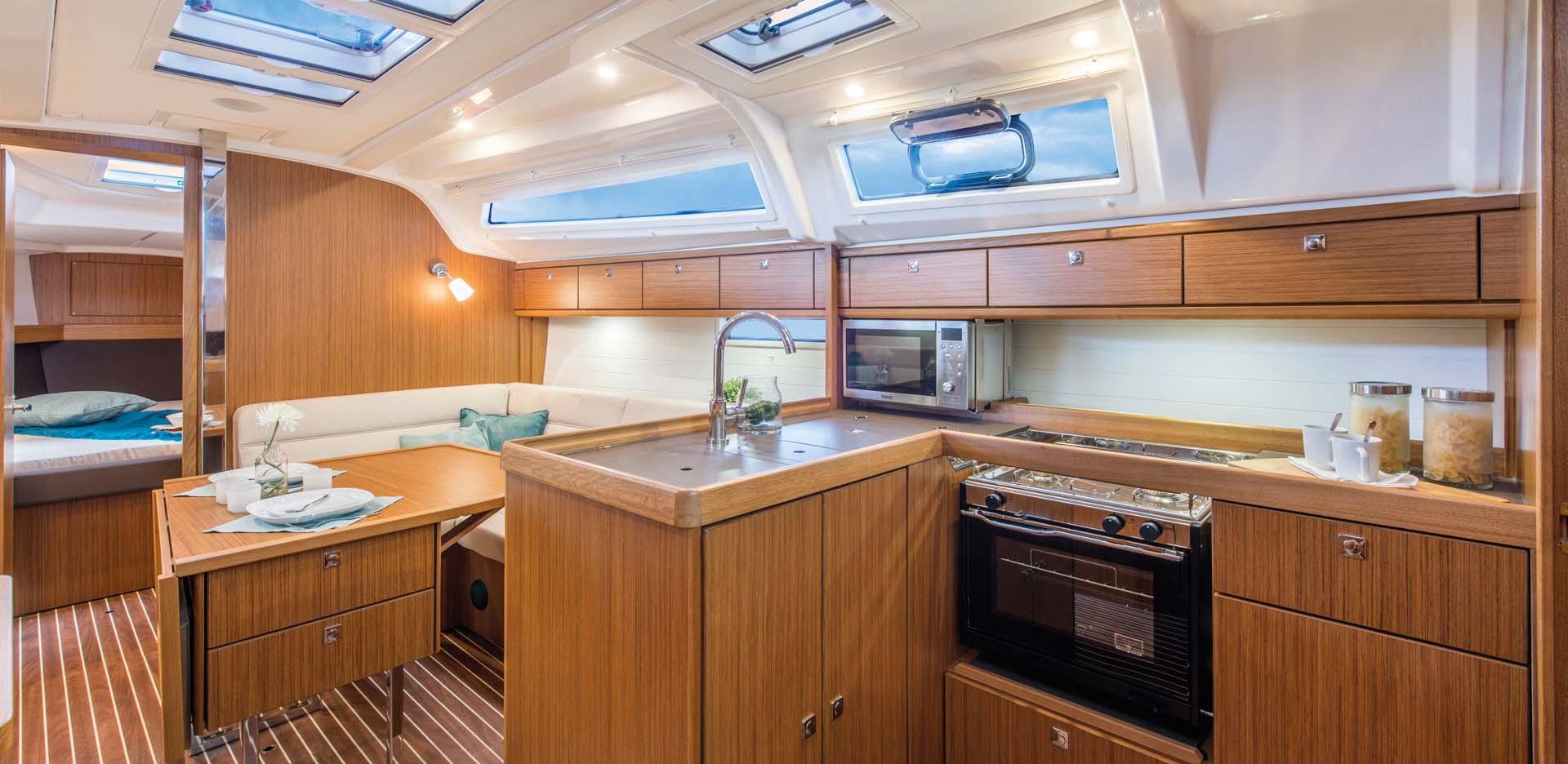 inside Bavaria Cruiser 37