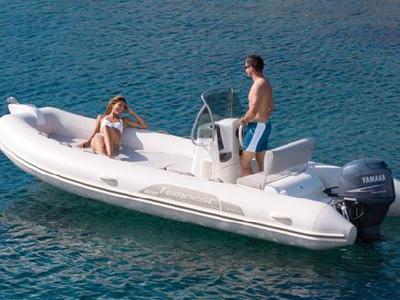 location bateau Capelli Tempest 500