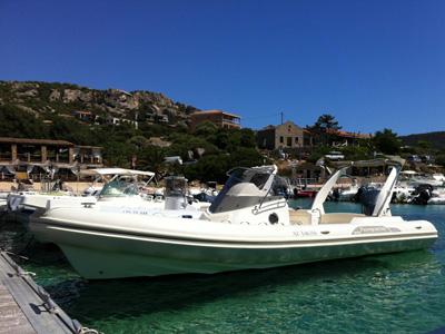 location bateau Capelli Tempest 850
