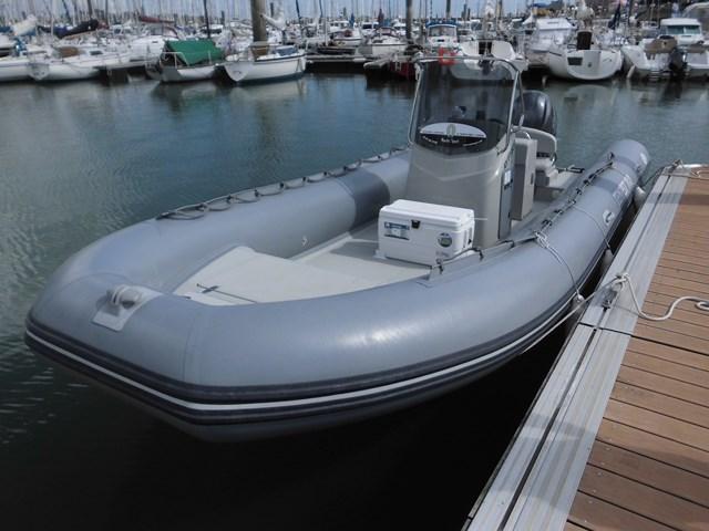 location bateau Capelli 700 Work