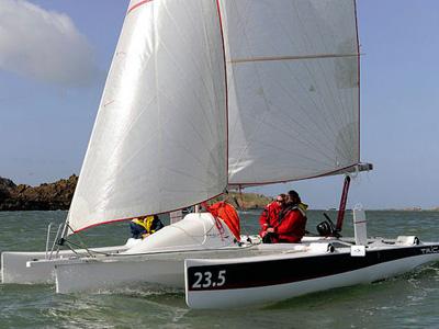 Location bateau  Tricat 23.5