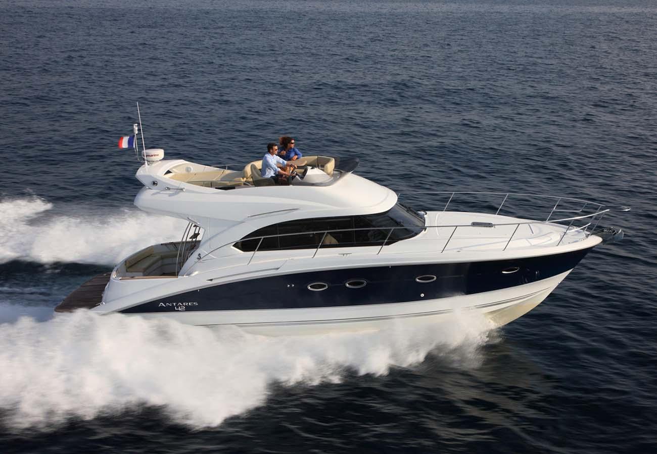 location bateau Antares 42
