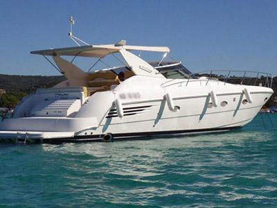 location bateau Trojan 44 Express