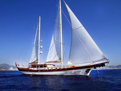 location bateau Estrella De Mer