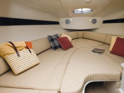 inside Maxum 2400 SC3