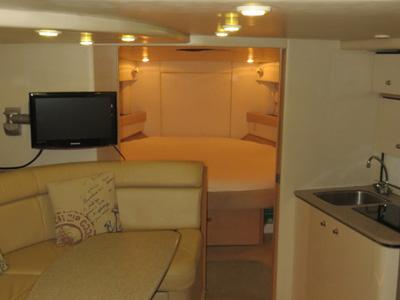 intérieur Bayliner 3685