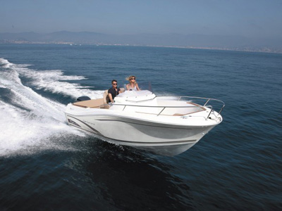 location bateau Cap Camarat 750
