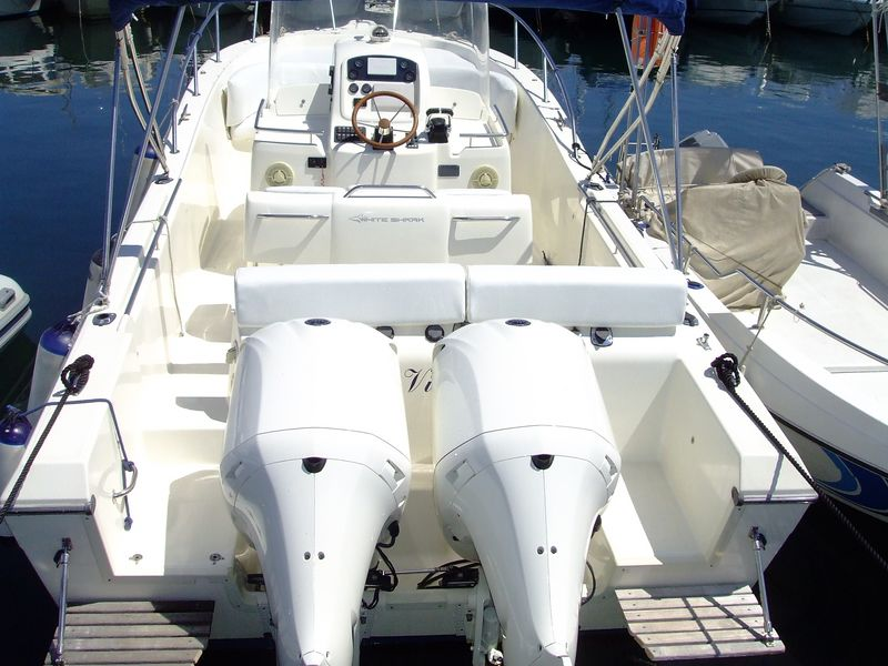 esterno White Shark 285