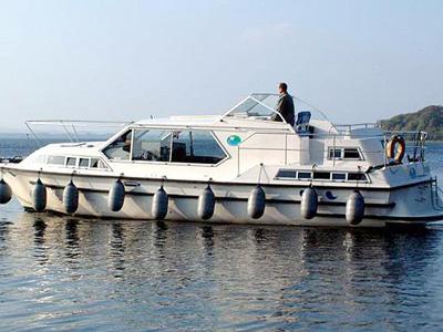 location bateau Wavequeen