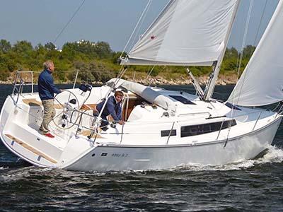 location bateau Bavaria Easy 9.7