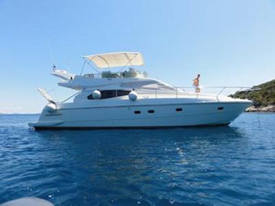 location bateau Ferretti 46 Fly