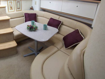 interno Bayliner Avanti 4085