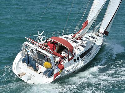 location bateau Ovni 445
