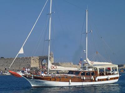 location bateau Perla Del Mar 1