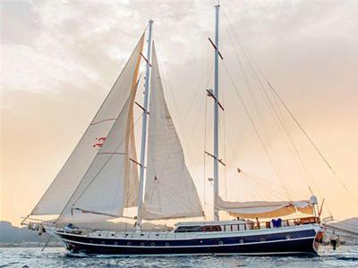 location bateau Perla Del Mar 2