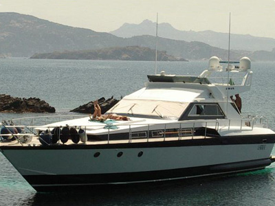 location bateau Akhir 18 Fly