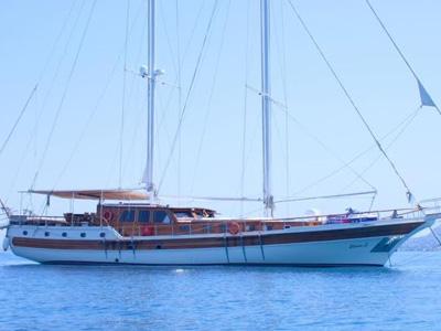 location bateau Erato