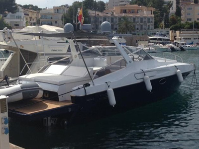 location bateau Riva Bravo 38