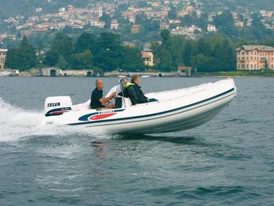 location bateau Selva D490