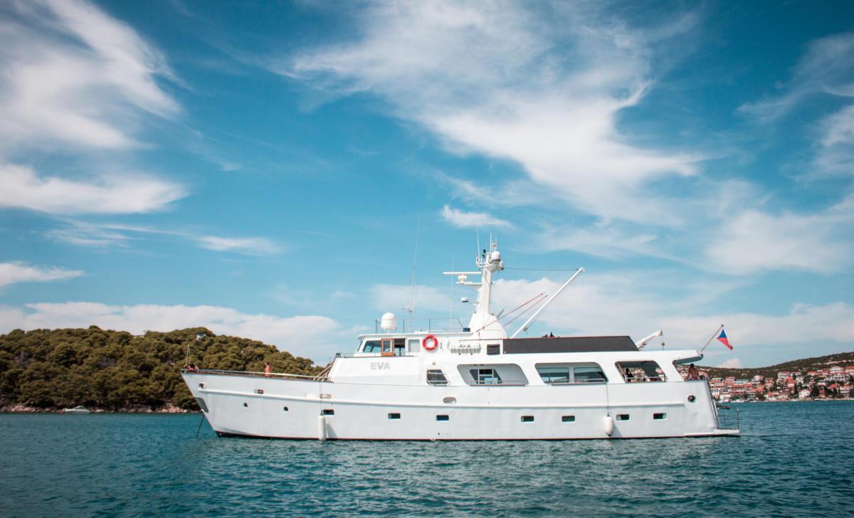 Location bateau  M/Y Eva