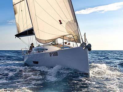 location bateau Elan E5