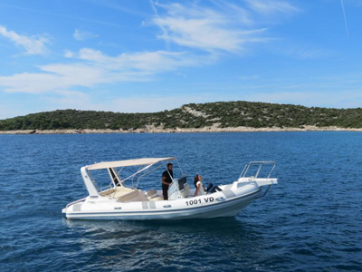 location bateau Ragusa 750