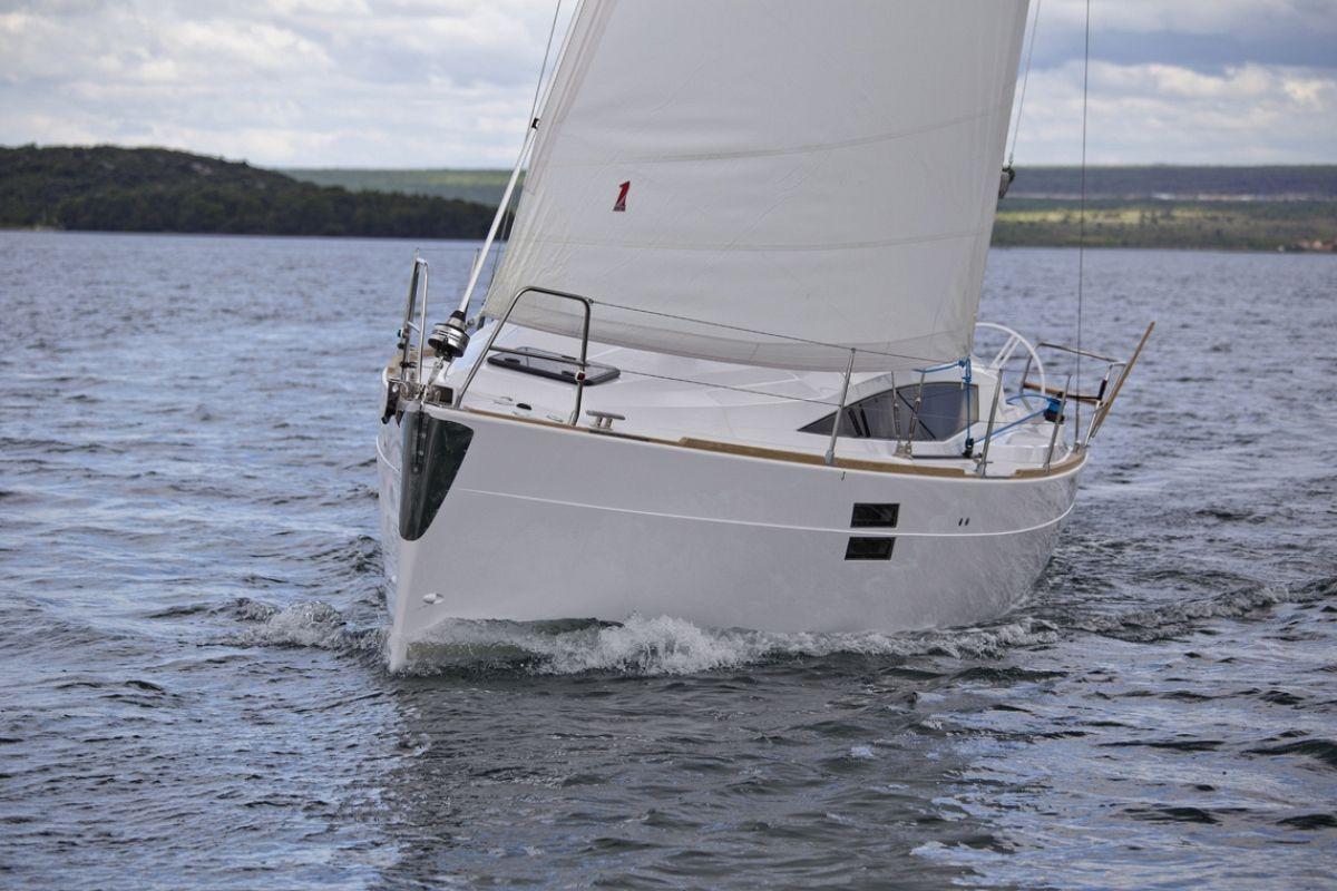location bateau Elan Impression 35