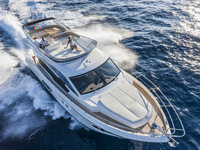 location bateau Absolute 52 Fly