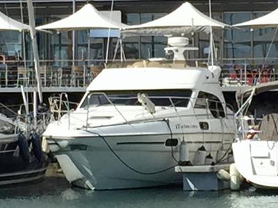 location bateau Sealine Statesman 39S